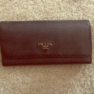 Prada wallet with stunning interior colors
